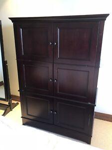 Cabinet /Armoire pour téléviseur, bar ou autres rangement