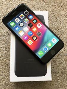 Apple iPhone 7 - Unlocked
