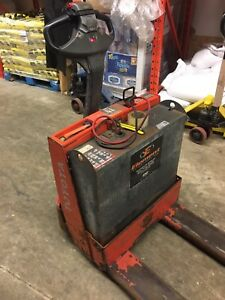 2013 toyota electric pallet truck