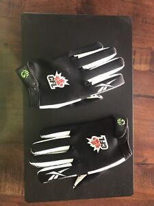 Reebok receiver gloves