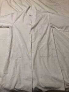 Small White lab coat for sale $15 UofT student lab