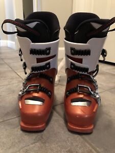 KIDS SKI BOOTS IN GREAT CONDITION