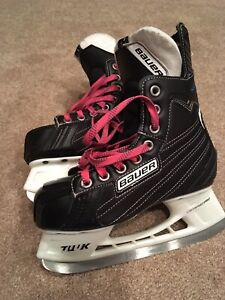 Bauer Nexus 66 size 1 skates, perfect shape