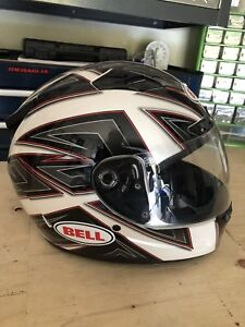 Almost brand new bell helmet! Size L