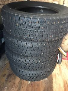 Studded winter tires 185/70R14