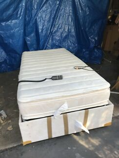 King single base fully adjustable with electric controls and mattress