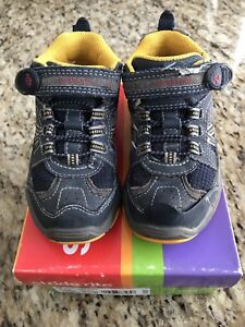 Stride Rite sneakers / little hikers - size 9.5 wide toddler
