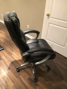 Leather executive office chair