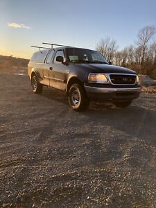 Selling my  2003 4x4 Ford F-150