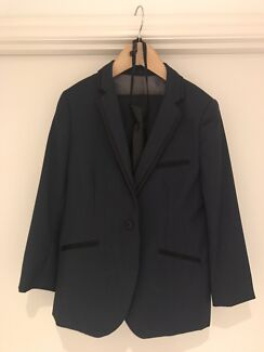 Boys 2 piece navy suit - size 7 (only worn once)