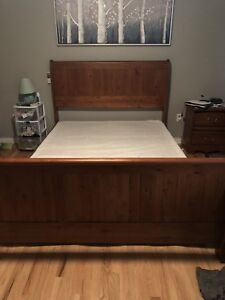 Solid Hardwood queen bedroom set