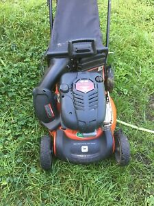 John Deere Self Propelling Lawn Mower