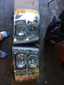 Chevrolet Silverado 1500 headlights