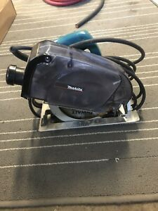 Makita Skill Saw w/ Dust Collection System 5057KB