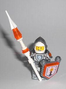 LEGO Nexo Knights - Lance Richmond (70323) - Figur Minifig Ritter Jestro 70323 - <span itemprop=availableAtOrFrom>Graz, Österreich</span> - Widerrufsrecht Sie haben das Recht, binnen 1 Monat ohne Angabe von Gründen diesen Vertrag zu widerrufen. Die Widerrufsfrist beträgt 1 Monat ab dem Tag, an dem Sie oder ein von Ihnen benannter - Graz, Österreich