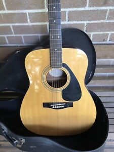 Yamaha FG400a Acoustic Guitar + Case Ready to Play