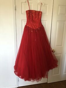 Gorgeous Red Gown Dress