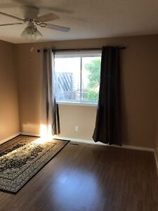 rooms for rent near 4 cornors