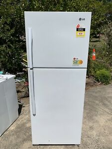 LG 450L fridge in new like condition