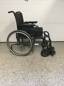 Manual Wheelchair. Quickie QXI. High end like new condition.