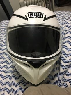 AGV K3 in excellent condition size L