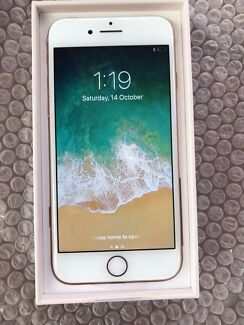 Apple iPhone 8 Gold 256g Brand new box opened for pic's.