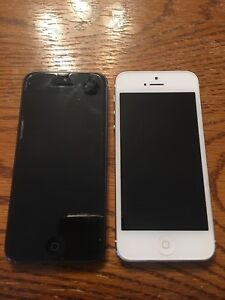 Two iPhone 5 (for parts) 16 GB
