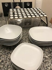 Dinnerware set (18pc) *never used* + Free coffee tray