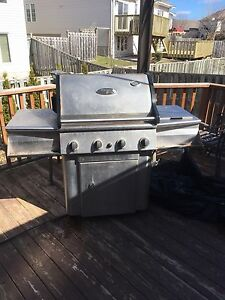 Vermont Castings Natural Gas BBQ with Side Burner