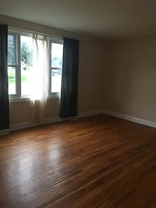 3 Bedroom, Rent, Clean, Partial House