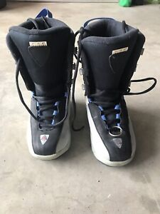 Kids Snowboarding Boots Size 4