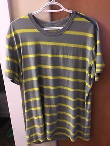 Lululemon tshirts XL