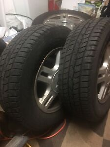 SUMMER TIRES 215/70/16 WITH FORD RIMS