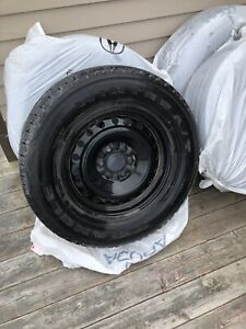 275/65/18 Winter Truck Tire (Low KM's, 2016 Ford F-150)