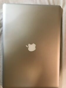 MACBOOK PRO 2011 in perfect condition