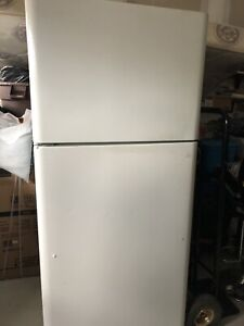 PRICE TO SELL CLEAN AND WORKING CONDITION FRIDGE FOR SALE