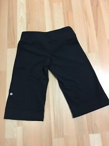 Lululemon Clam Digger pants