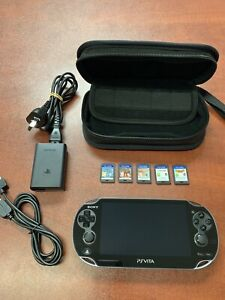 Sony PS Vita 1002 32gb 5 Games Case Original Charger