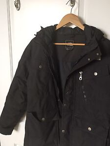 North Face Jacket, Like New (Size M)