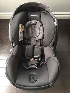 Maxi Cosi Infant Car Seat with Two Bases
