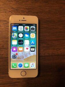 iPhone SE 32GB Unlocked 150$ non négociable