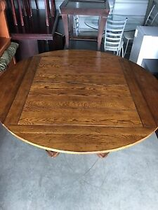 Drexel Furniture Solid Wood Table And Six Chairs