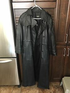 Manteau de Cuir veritable ( Excellente condition)