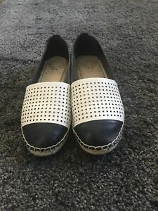 Size 6 Vince Camuto
