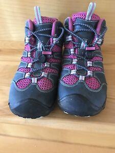 Souliers, bottes randonnées, marche en montagne enfants