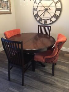 Pier1 Extension Dining Table and chairs