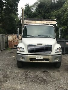 2005 Freightliner Roll Off