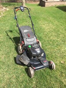 Craftsman 7.25 Horsepower self propelled lawn mower WITH BAG