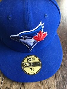 75538125961 BLUE JAYS BASEBALL HAT NEW ERA 7 3 8 SIZE
