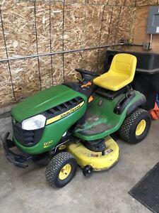 John Deere D130 Riding Lawn Mower
